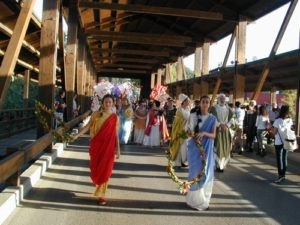 Perugia 2019 figuranti sul ponte 2